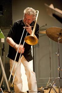 Steve Swell   http://www.steveswell.com