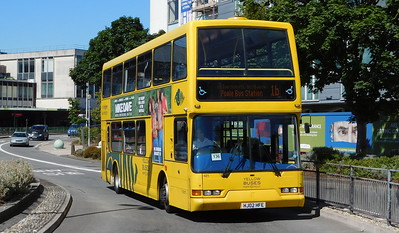 RATP Yellow Buses 421 - HJ02HFE - Poole (Kingland Road)