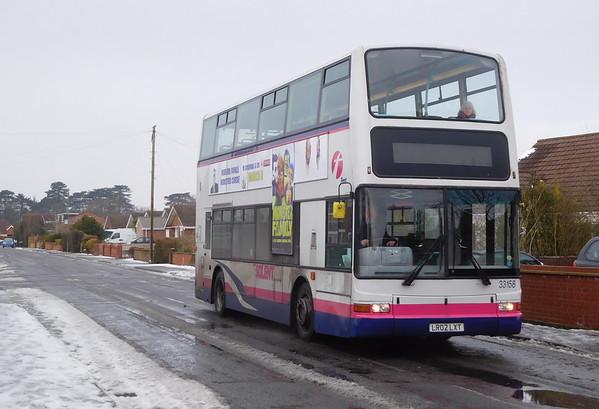 First Solent 33158 - LR02LXT - Locks Heath (Admirals Road)