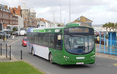 First Wessex 69542 - BF12KWE - Weymouth (King's Statue)