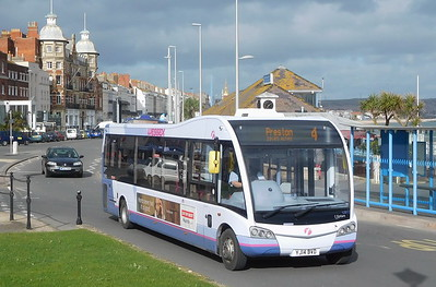 First Wessex 53613 - YJ14BVD - Weymouth (King's Statue)