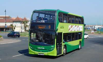 Southern Vectis 1588 - HW63FHK - Ryde (Dover St)