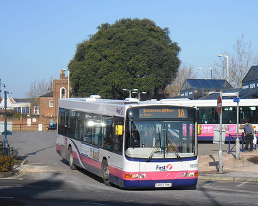 First Hants & Dorset 66202 - S802RWG - Fareham (bus station) - 11.2.12