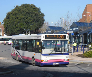 First Hants & Dorset 42128 - S628KTP - Fareham (bus station) - 11.2.12
