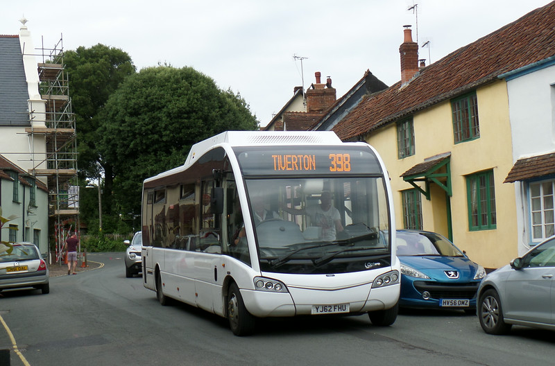 BeaconBus YJ62FHU - Dunster (Church St) - 29.7.14