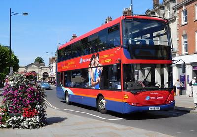 Salisbury Reds 1139 - HF09BJY - Salisbury (Blue Boar Row)