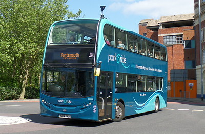 First Solent 33895 - SN14TPZ - Portsmouth (Bishop Crispian Way)