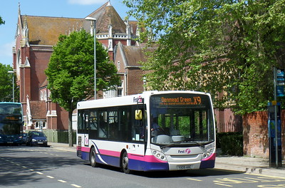First Solent 44916 - YX09AHC - Portsmouth (Bishop Crispian Way)