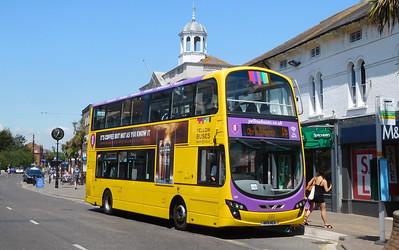 RATP Yellow Buses 124 - HF11HCX - Christchurch (High St)