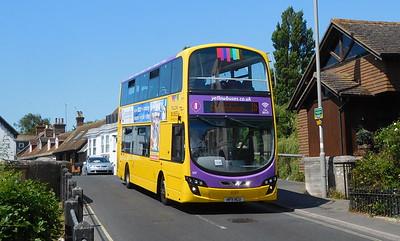 RATP Yellow Buses 122 - HF11HCU - Christchurch (Bridge St)