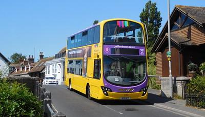 RATP Yellow Buses 121 - HF11HCP - Christchurch (Bridge St)