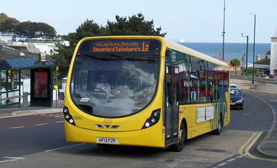 RATP Yellow Buses 855 - HF13FZP - Bournemouth (seafront)