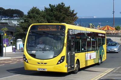 RATP Yellow Buses 863 - HF14BWU - Bournemouth (seafront)