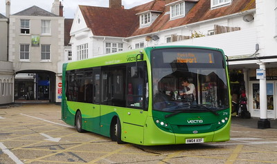 Southern Vectis 2714 - HW64AXF - Cowes (Town Quay)