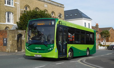 Southern Vectis 2710 - HW64AXA - Cowes (Terminus Road)