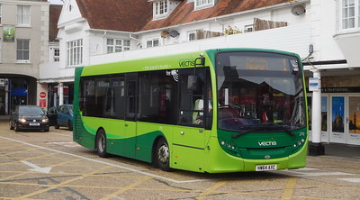 Southern Vectis 2712 - HW64AXC - Cowes (Town Quay)