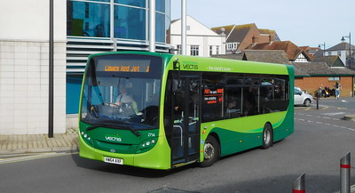 Southern Vectis 2714 - HW64AXF - Newport (bus station)