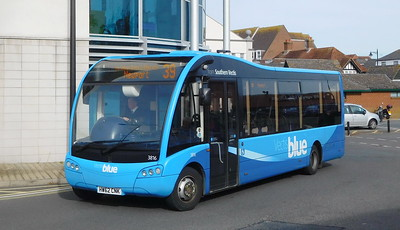 Southern Vectis 3816 - HW62CNK - Newport (bus station)