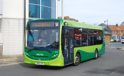 Southern Vectis 2713 - HW64AXD - Newport (bus station)