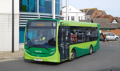 Southern Vectis 2712 - HW64AXC - Newport (bus station)