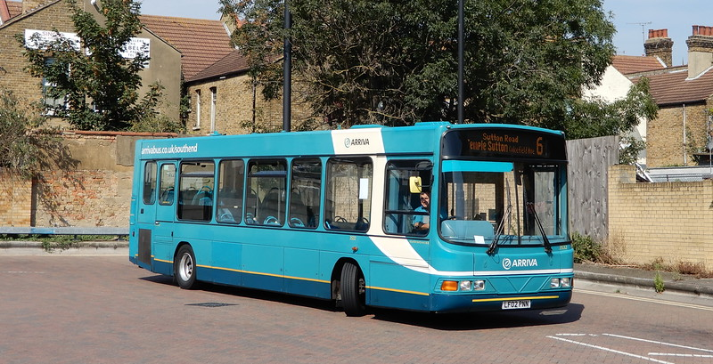Arriva Kent Thameside 3532 - LF02PNN - Southend (Chichester Road) - Southend (bus station)