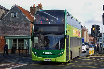 Southern Vectis 1591 - HW63FHN - Newport (town centre)