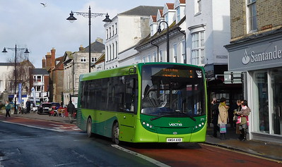 Southern Vectis 2711 - HW64AXB - Newport (St. James' Street)