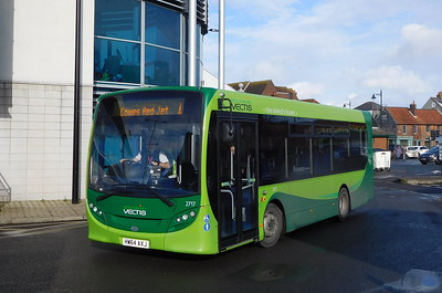 Southern Vectis 2717 - HW64AXJ - Newport (bus station)