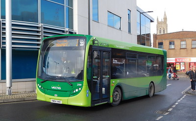Southern Vectis 2709 - HW64AWZ - Newport (bus station)