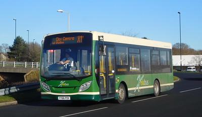 Xelabus 425 - YY66PDV - Lordshill