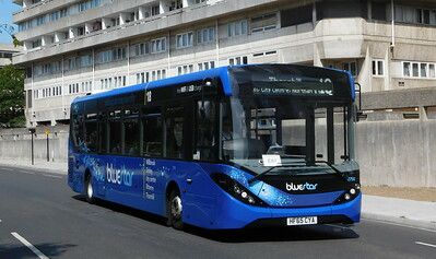 BlueStar 2750 - HF65CYA - Southampton (Central railway station)