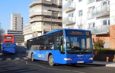 BlueStar 2453 - HW07CXT - Southampton (Central railway station)