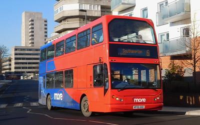 morebus 1825 - HF05GGE - Southampton (Central railway station)