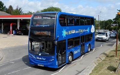 BlueStar 1570 - HJ63JOU - Fair Oak (Winchester Road)