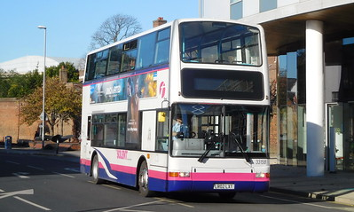 First Solent 33158 - LR02LXT - Portsmouth (Queen St)