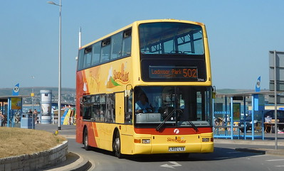 First Wessex 33146 - LR02LXB - Weymouth (King's Statue)