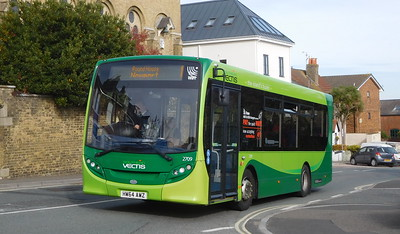 Southern Vectis 2709 - HW64AWZ - Cowes (Terminus Road)