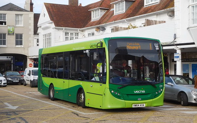 Southern Vectis 2710 - HW64AXA - Cowes (Town Quay)