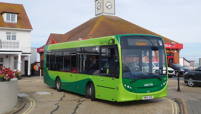 Southern Vectis 2713 - HW64AXD - Cowes (Town Quay)