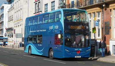 First Solent 33895 - SN14TPZ - Portsmouth (The Hard)
