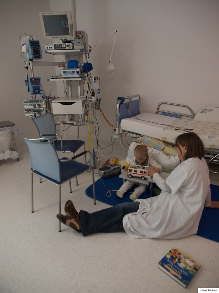 Monday 29th June 2009 - Cai plays with Mummy the day after his operation - where they tried at least 10 times to get an infusion in, at least he was under at the time