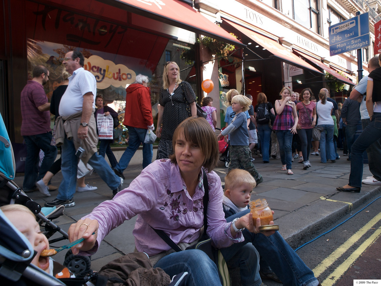 Sunday 11th Oct 2009 - Even Luc must have a break from shopping  at hamleys to eat
