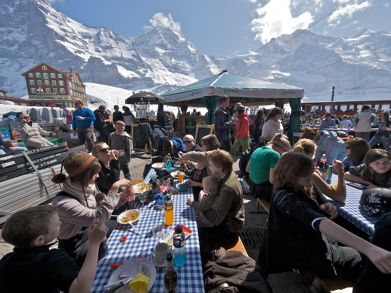 Sunday 5th April 2009 - Lunch in the alps, what could be better.