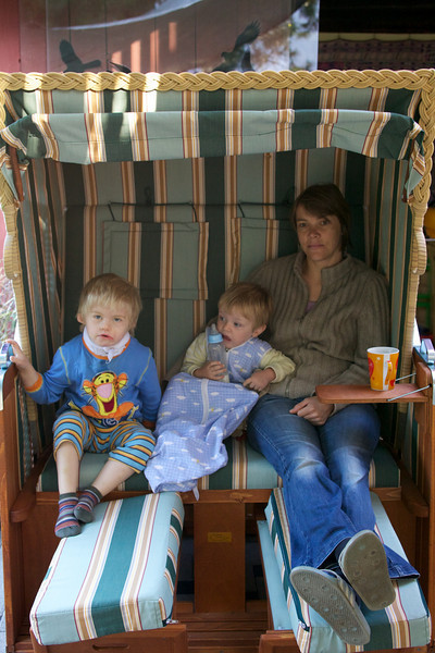 Sunday 5th Sept 2010 - Kerstin and the boys, try out her new beach basket chair