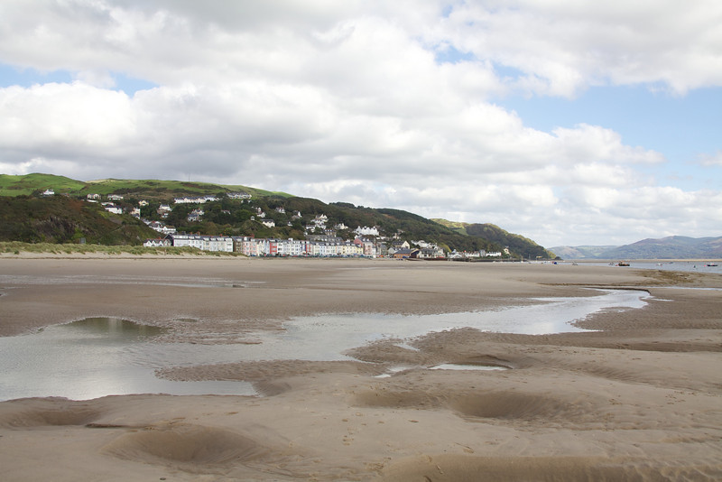 Monday 18th October 2010 - We liked the beach at aberdovey