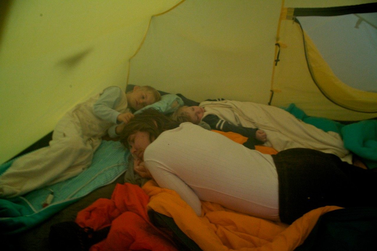 Sunday 4th Sept 2011 - two adults and two kids in a two man tent make for a very cramped night. Luc was sleeping with Chris and Gabi but woke up in the night and started shouting so we decided to retrieve him.