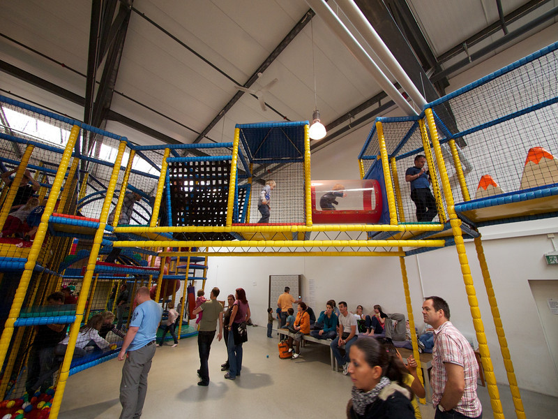 Sunday 18th Sept 2011 - It was a great area for little kids, plenty of variety and safe - unless a child falls on you ;-)