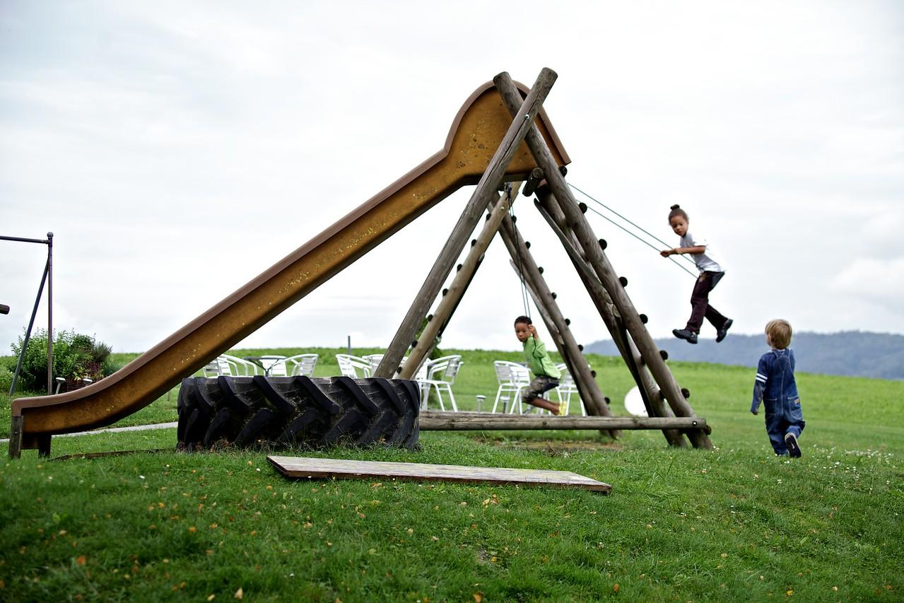 Sunday 4th Sept 2011 - The children enjoy some enthusiastic swinging