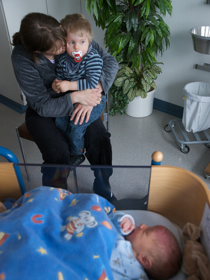 Thursday 10th April 2008 - Cai doesn't seem to interested in his new brother but is always glad to get a hug from his mother. Oliver and Jason went with the grandparents yesterday to see Luc, unfortunately I wasn't there wih a camera - next time they meet I will be though!