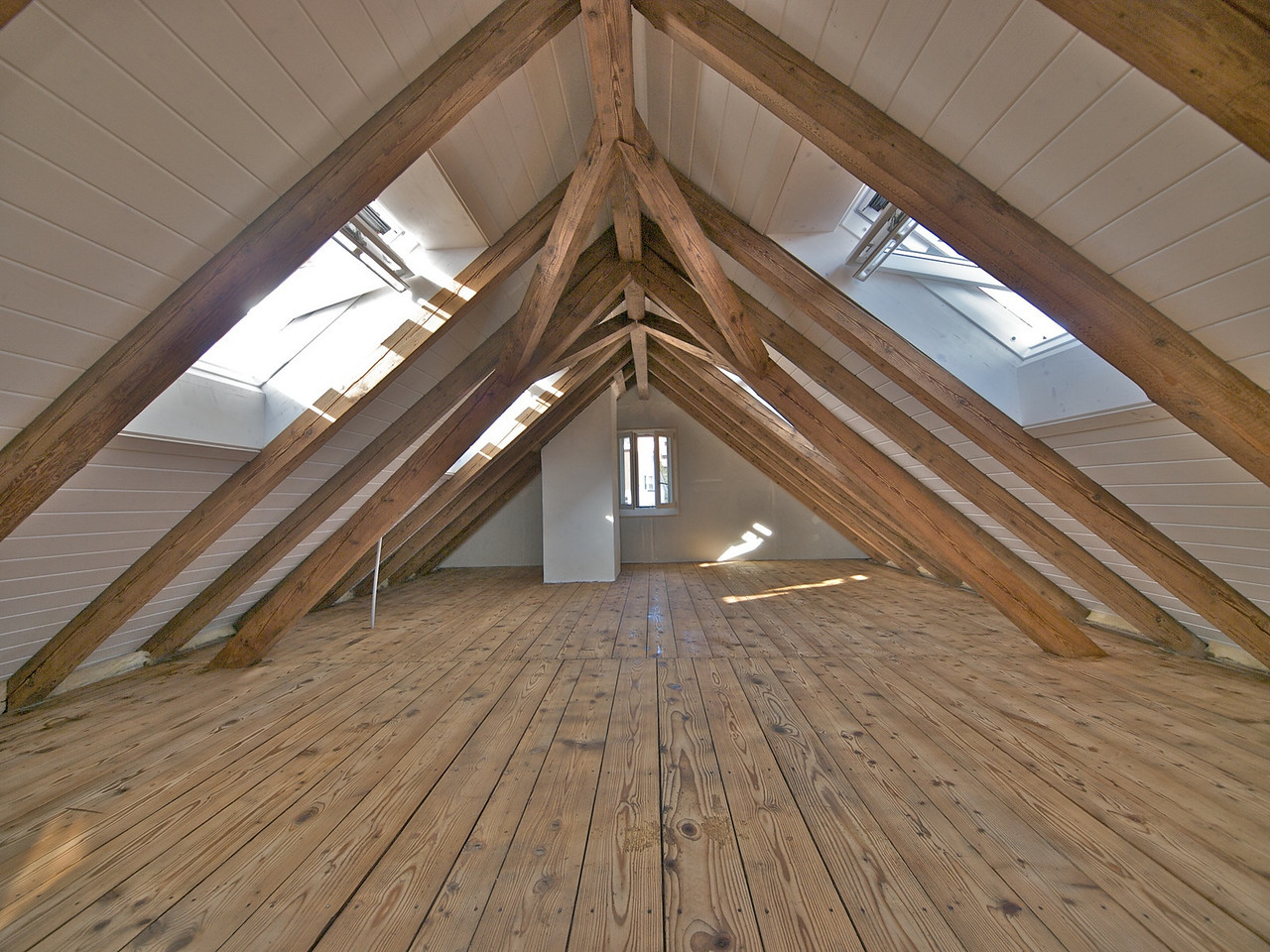 Monday 31st march 2008 - This is what the attic now look likes, nearly finished
